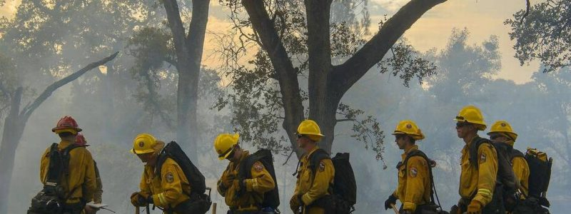 'Cal Fire gear change will keep firefighters cooler, but some worry about contamination'